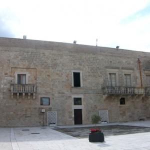 Palazzo Filomarini Piazza Municipio