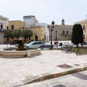 cutrofiano piazza municipio1