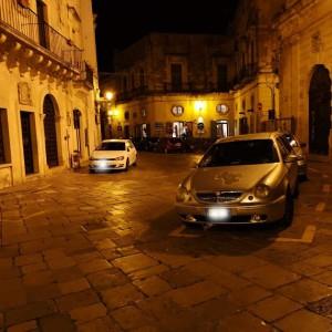 parcheggio in area di sosta riservata alla polizia locale 3